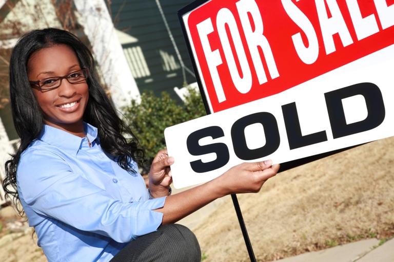 EDITED Estate Agent iStock_000011968101Large