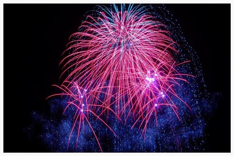 edited fireworks 15499943449_83992cbb39_h